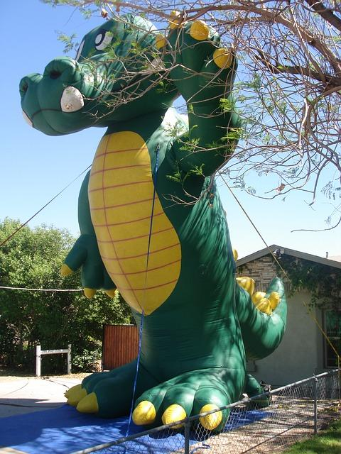 advertising inflatables, giant inflatables, alligator inflatables