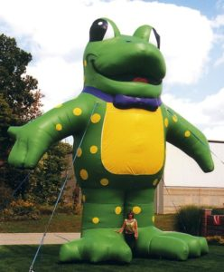 Frog shape advertising inflatables